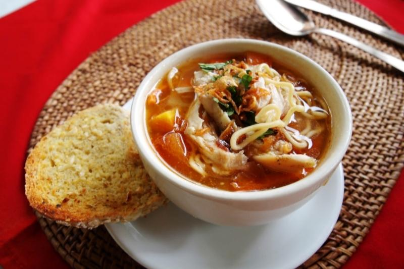 Asian tomato and noodle soup | Healthy Kids